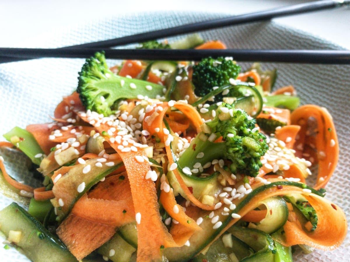 japońska sałatka z ogórków i marchewki 2