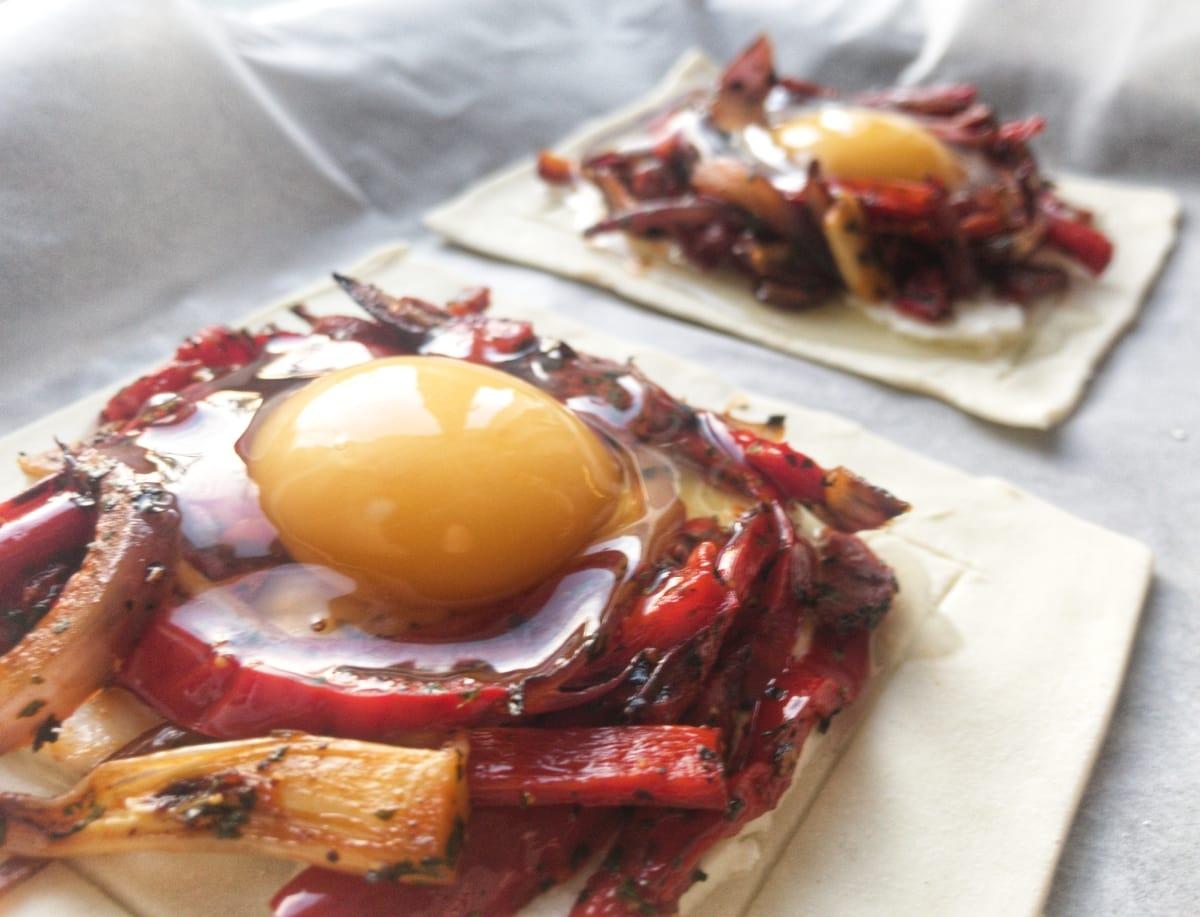 śniadaniowa tarta z papryką i jajkiem 4