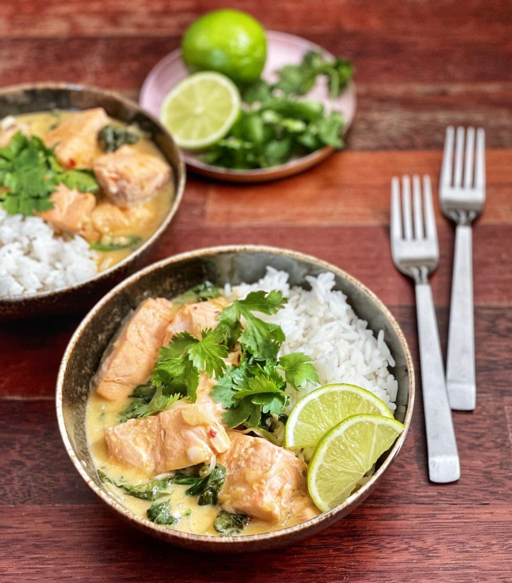 łosoś w sosie curry