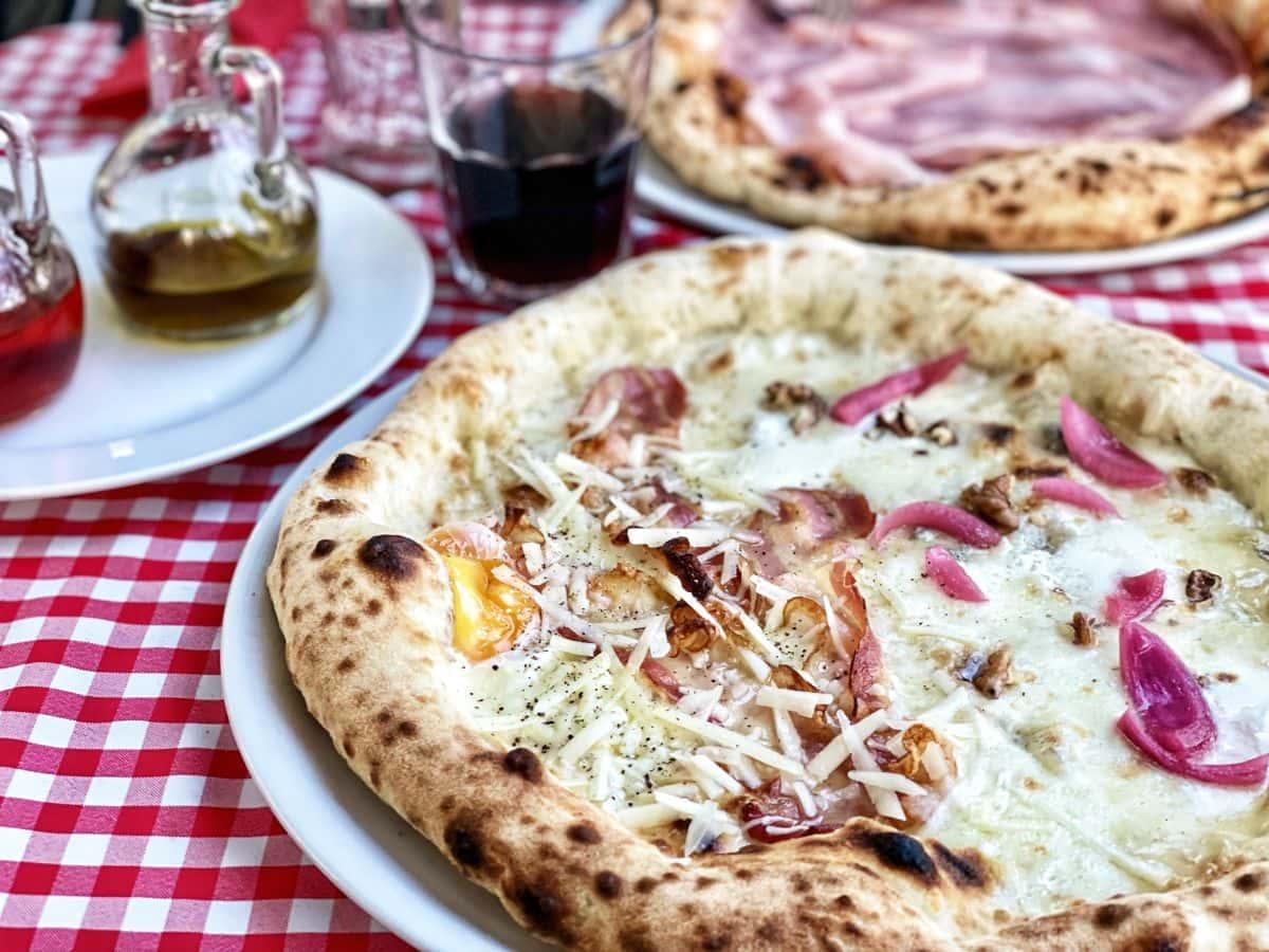 pizza bianca i carbonara