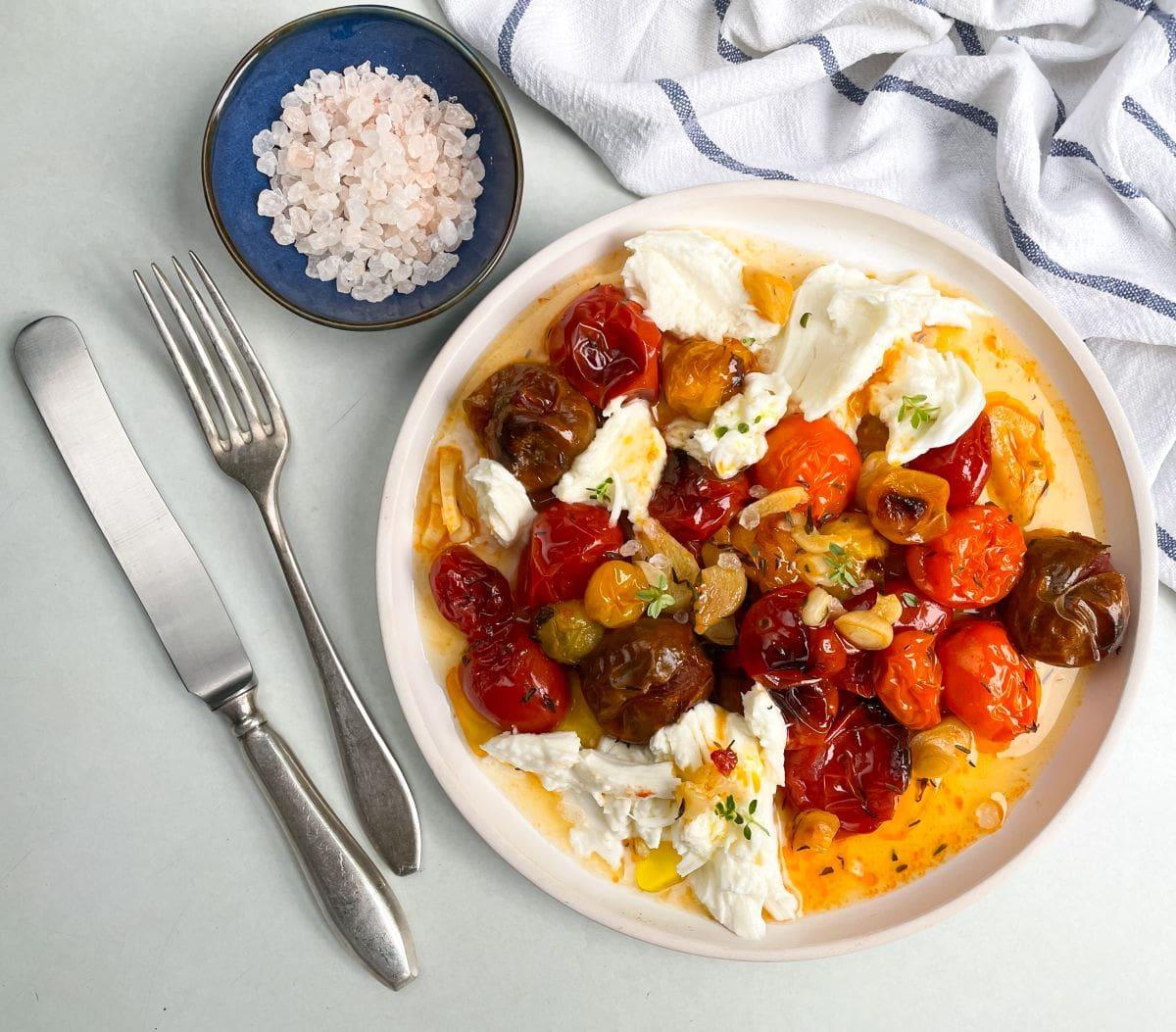sałatka z pieczonych pomidorów 3